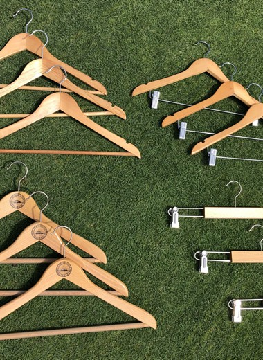 5 Hangers without clip wit Alcanada Logo